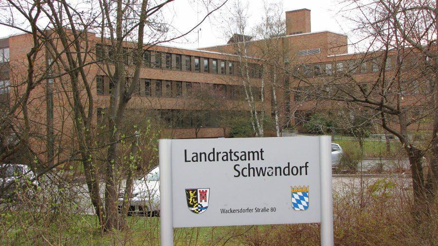 enaio® für das Einwohnerwesen Schild vom Landratsamt Schwandorf