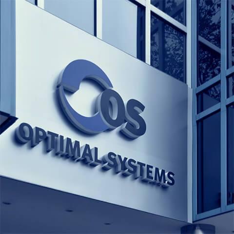 OPTIMAL SYSTEMS Firmenlogo an Bürogebäude über Hauseingang