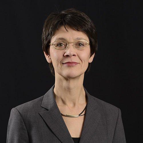 Portrait Michaela Zocholl, Head of Training Department OPTIMAL SYSTEMS
