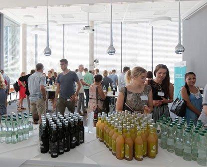 Impression vom Getränkestand der Informationstage bei OPTIMAL SYSTEMS Konstanz