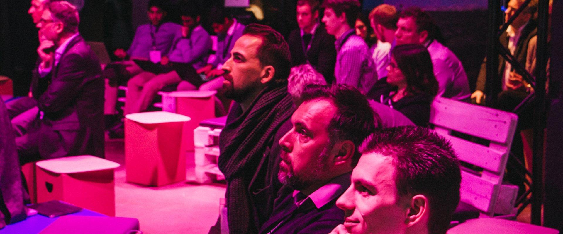 Zuhörer bei einer Veranstaltung von OPTIMAL SYSTEMS