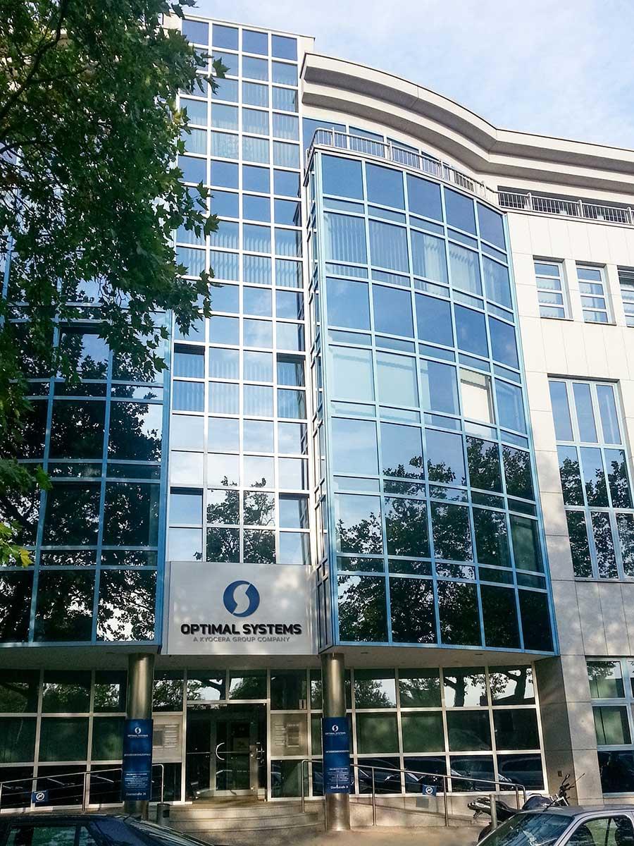 Hausfront OPTIMAL SYSTEMS Zentrale Berlin