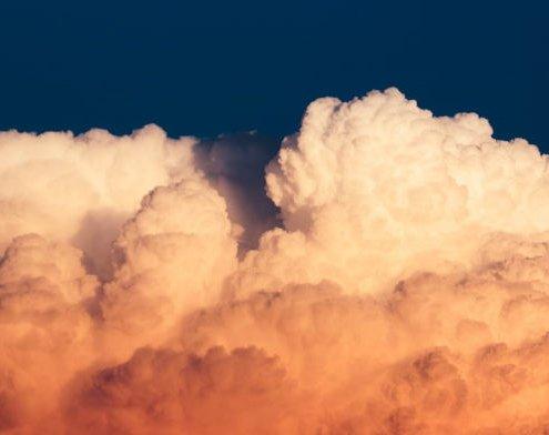 Orangene Wolken